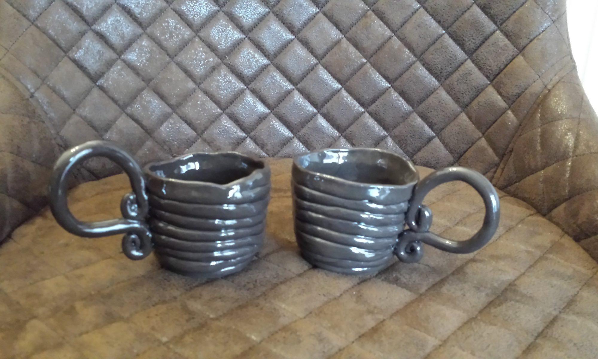 Graue Tassen, Keramik von Herz zu Herz