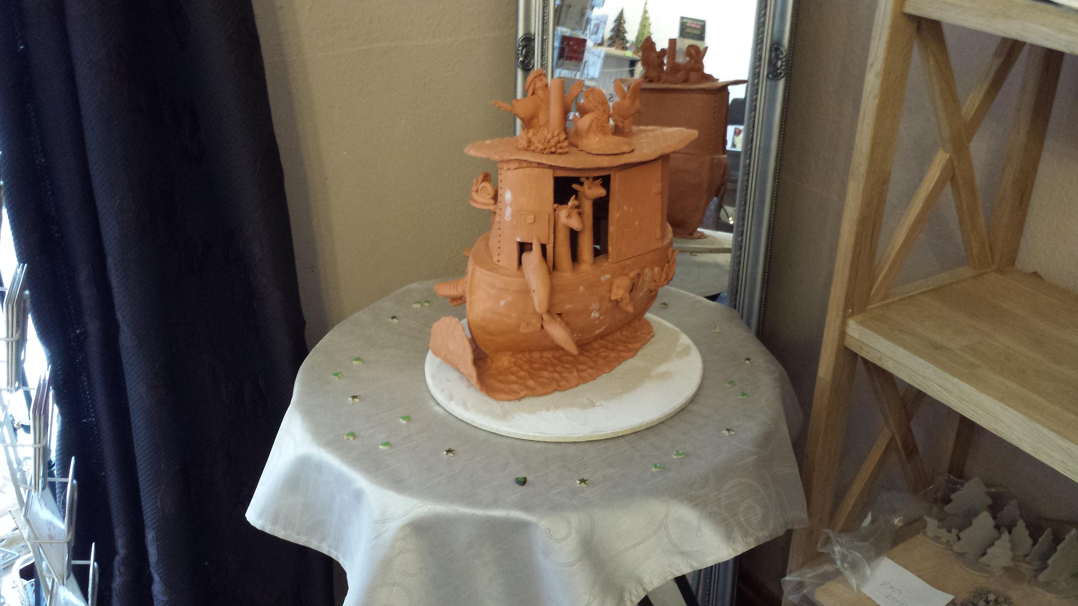 Keramikrarität: Arche aus Ton