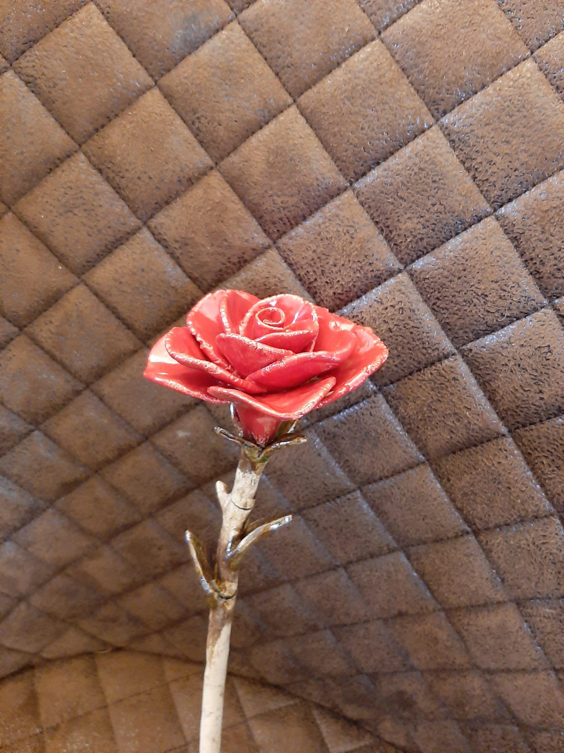 Rose, Kunst aus Ton, Liebe, Pottery Art, Clay with Love, inmitten von Augsburg, Motivation von Herz zu Herz, Kreativität, Geschenke , besondere Handarbeit, Originelles, KeraMik von Herz zu Herz, zusammen sind wir stark, Zuversicht