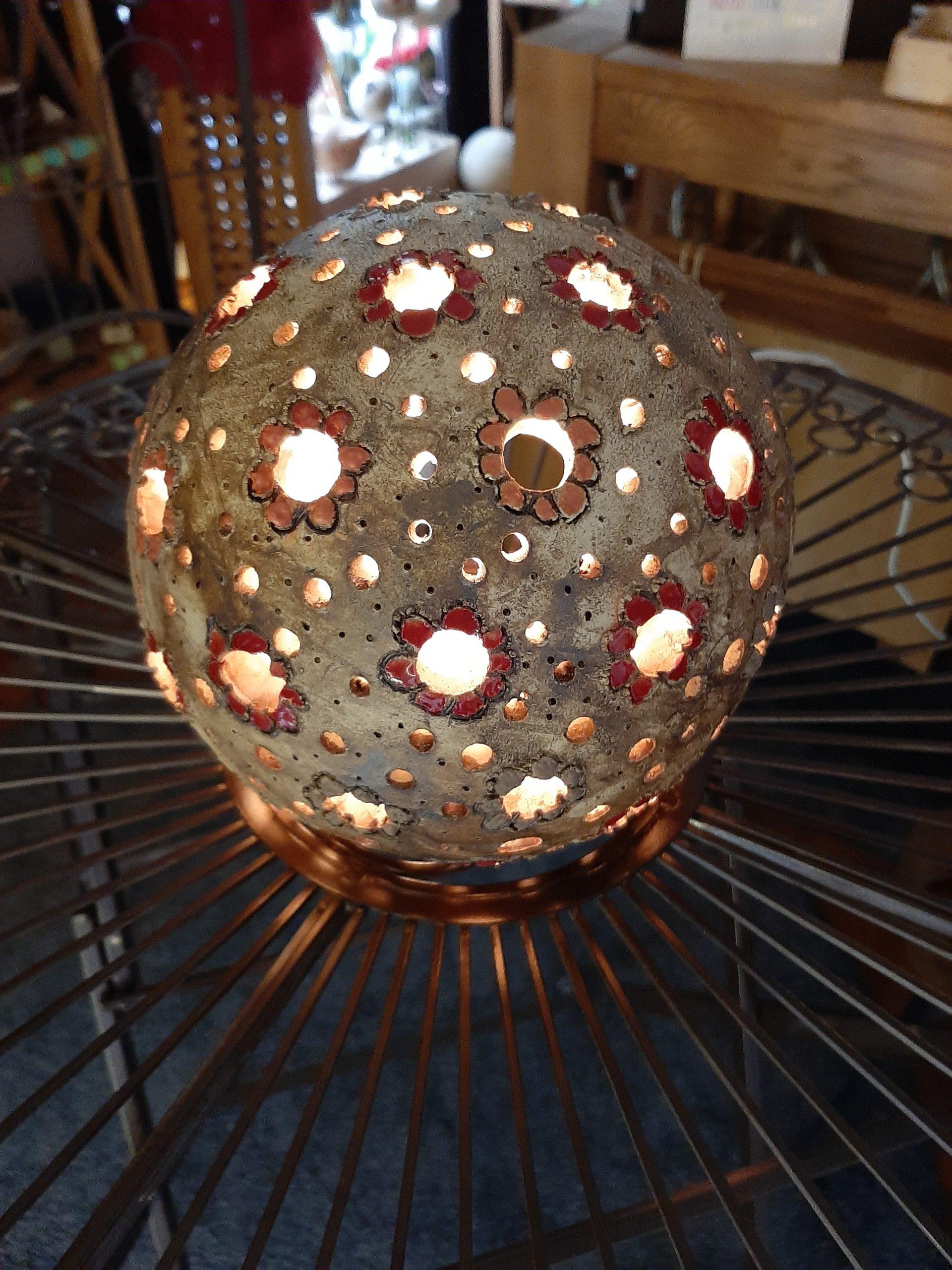 Lichtkugel,KeraMik von Herz zu Herz, Augsburg, Cay Art, Pottery, Handarbeit, Einzelstücke, Individuelles, Geschenke der besonderen ArtKunst aus Ton