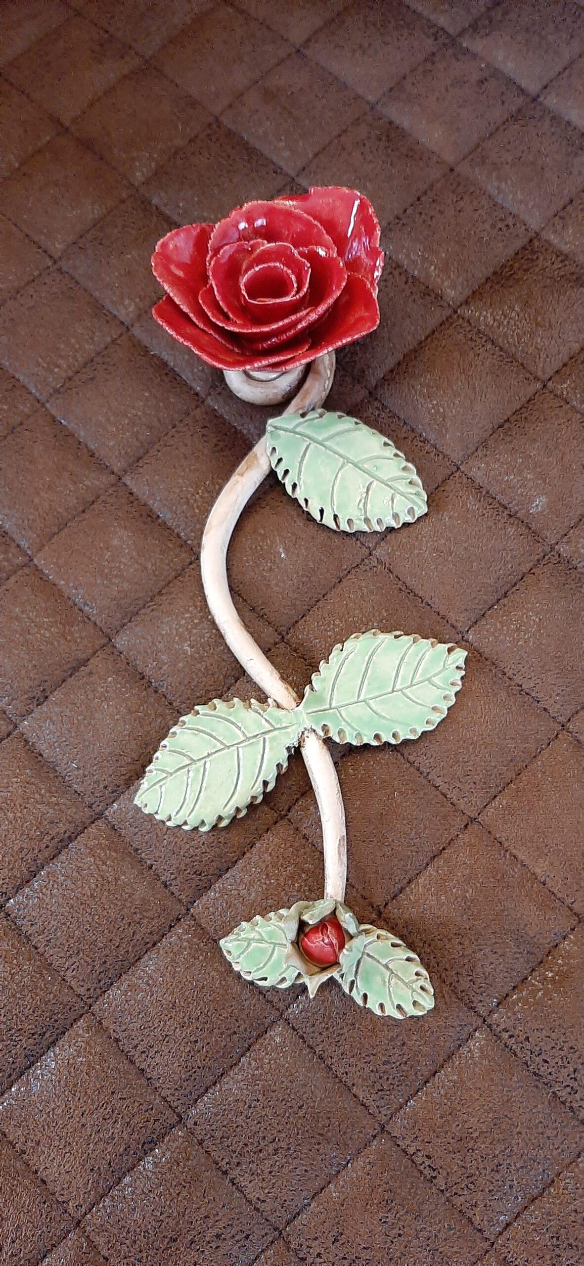 Rose am Stil mit Knospe, originelle Handarbeit, Unikate, KeraMik von Herz zu Herz, besondere Geschenke, Unikate, Blumen, Einzelstück, Individuelles, Kunst aus Ton, Germany, Augsburg