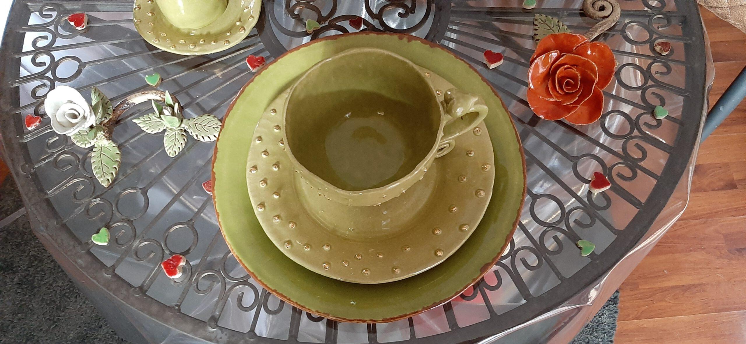 grüne Tasse, Teller, Keramik, KeraMik von Herz zu Herz, Augsburg, Handarbeit mit Liebe