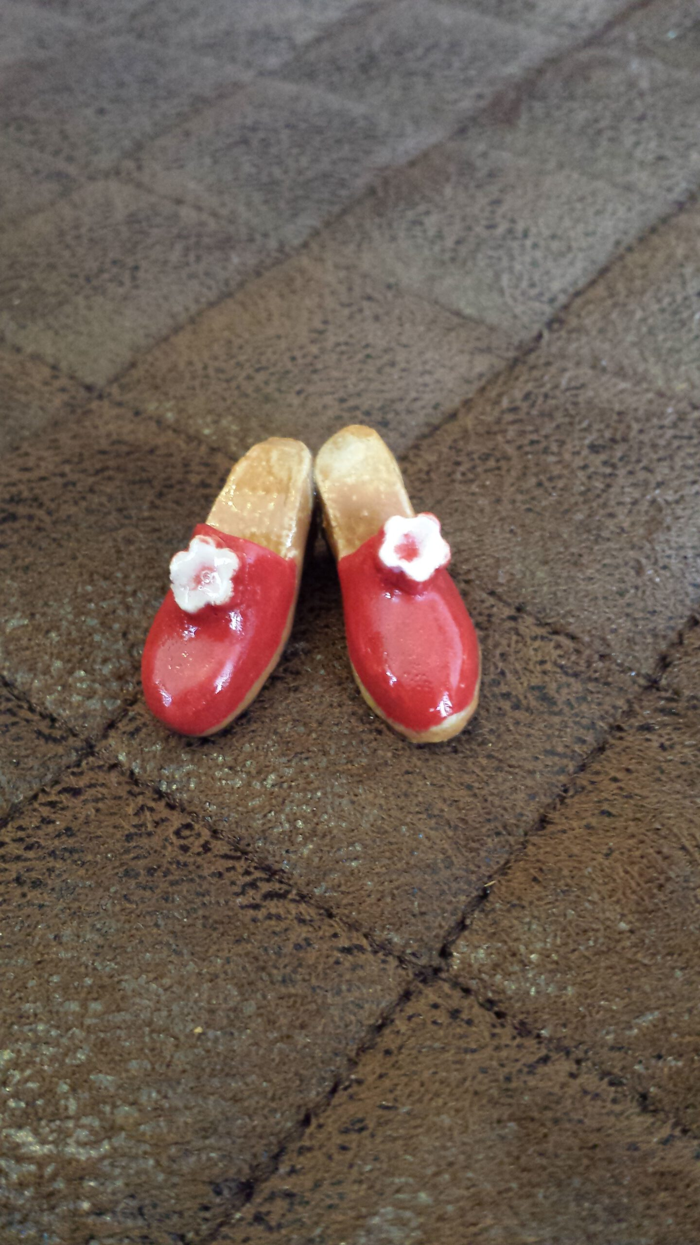 Schuhe in Miniformat, Keramik, KeraMik von Herz zu Herz, Augsburg, Handarbeit, Unikate