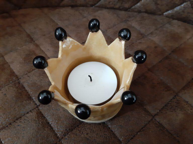 gelber Kronen Teelichthalter, Augsburg, Handarbeit, Keramik, KeraMik von Herz zu Herz, Geschenke
