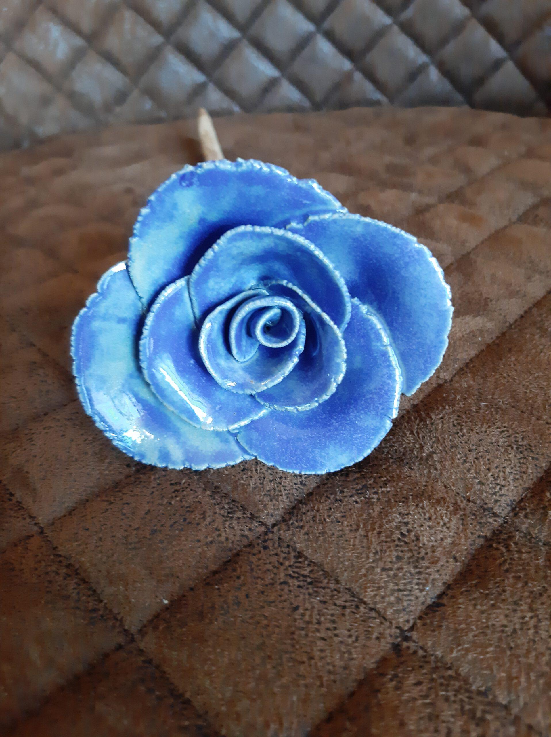 blaue Rose, Kunst aus Ton, Pottery Art, inmitten von Augsburg, Kreativität, Geschenke , besondere Handarbeit, Originelles, KeraMik von Herz zu Herz
